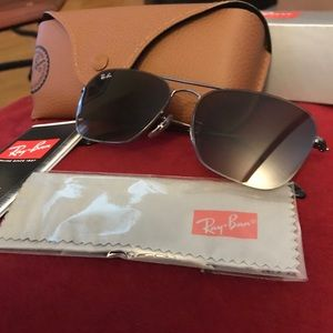 RAY-BANS men's Sunglasses new in box with case